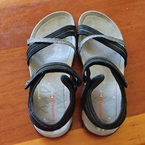 Merrill sandals size7
